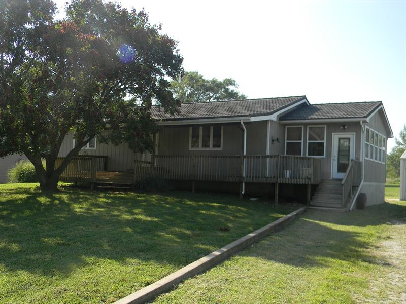 Ranch Style Home in Gridley Kansas : Gridley : Coffey County : Kansas