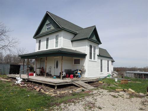 House & 5 Acres M/L Northeast : Horton : Brown County : Kansas