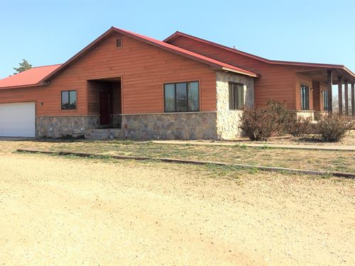 Amazing Red Hills Country Estate, 5 : Medicine Lodge : Barber County : Kansas