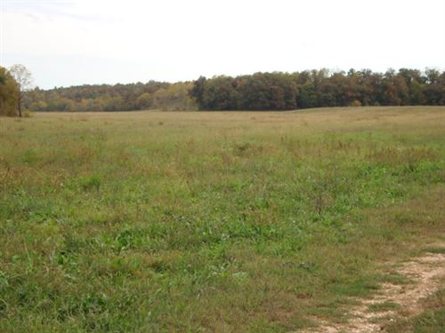 Cattle Ranch Missouri 2684 Acres : Aurora : Barry County : Missouri