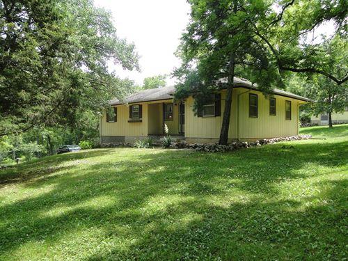 House, Ava, MO County Home Land : Ava : Douglas County : Missouri