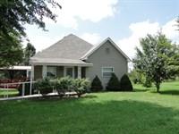 Small Farm in Douglas County : Ava : Douglas County : Missouri
