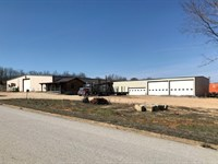 Commercial Industrial Buildings 40 : Cabool : Texas County : Missouri