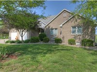Country Classic 15 Acre Estate : Cameron : Clinton County : Missouri
