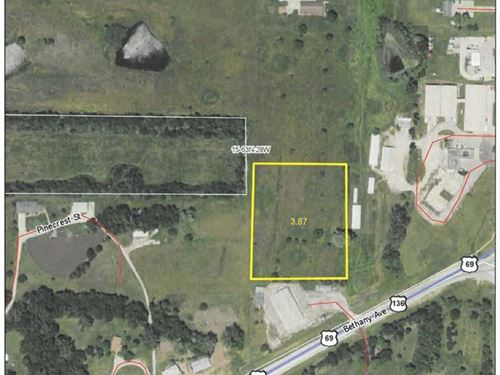Lot For Sale in Bethany Missouri : Bethany : Harrison County : Missouri