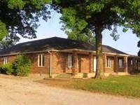 Gentleman's Farm, Nostalgic Setting : El Dorado Springs : Cedar County : Missouri