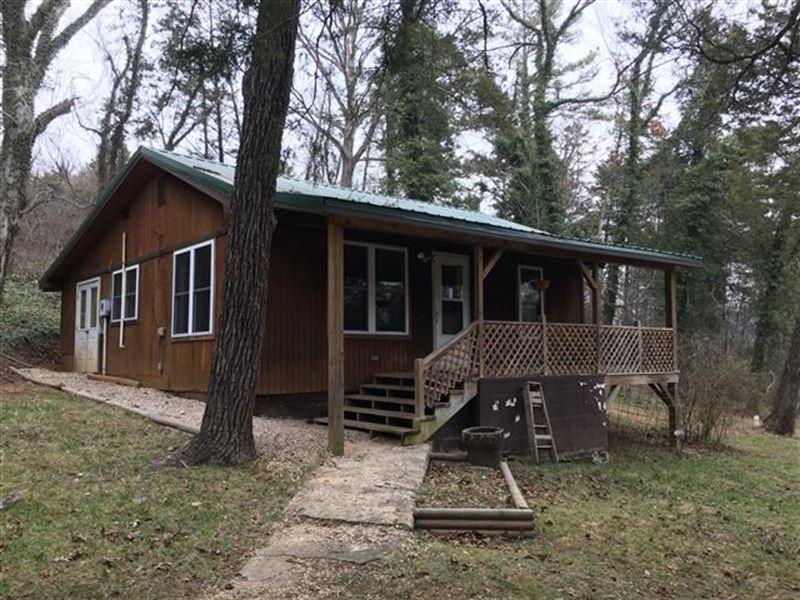 2 Bedroom/1 Bath Cabin Eminence : Eminence : Shannon County : Missouri