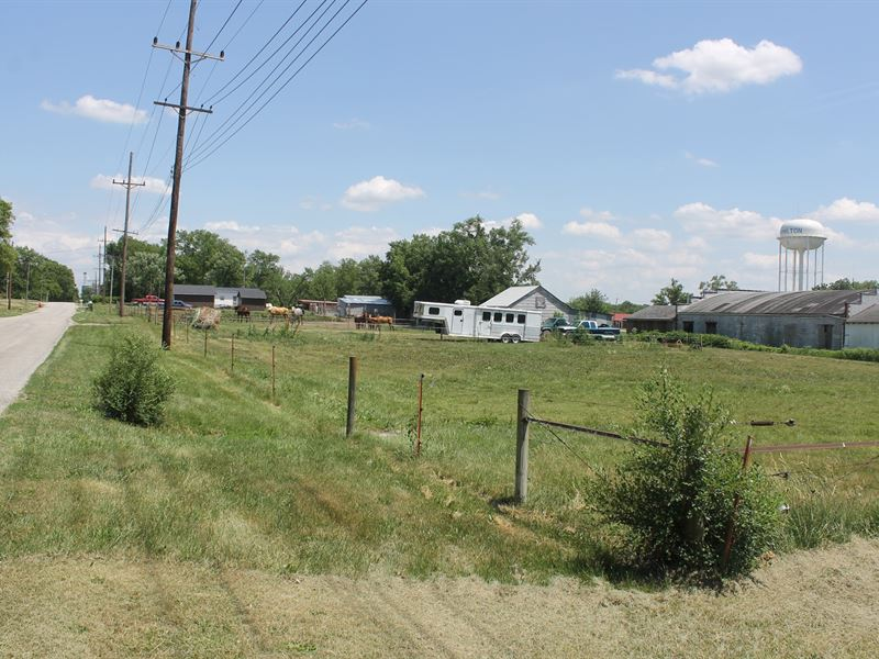Hamilton Mo Property For Sale : Hamilton : Caldwell County : Missouri