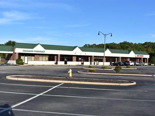 Retail Strip Shopping Center Hwy : Hermann : Gasconade County : Missouri