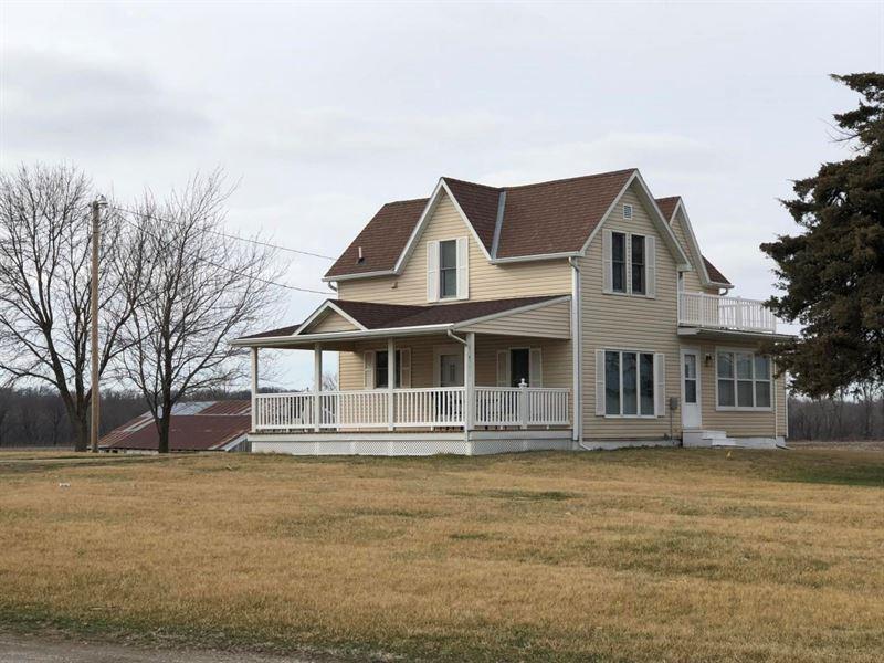 Country Home Northwest Missouri : Clearmont : Nodaway County : Missouri