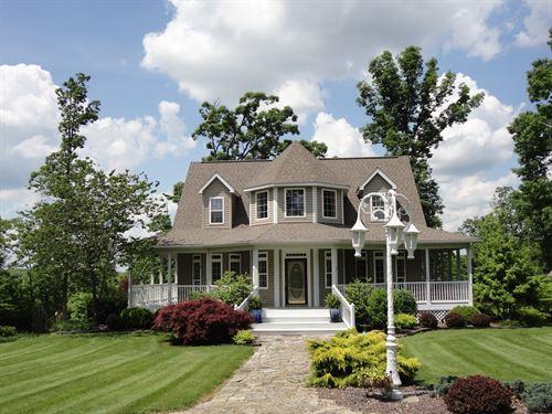 Exceptional Home, 10.33 Acres : Salem : Dent County : Missouri