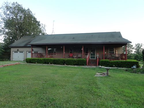 Lovely Ranch Home 40 Acres Lots to : Salem : Dent County : Missouri