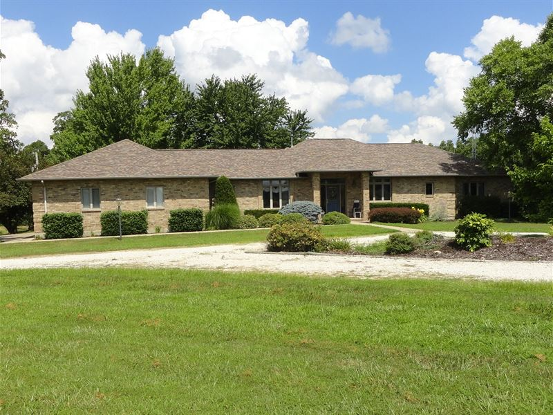 120-Acre Country Home Acreage : Richland : Camden County : Missouri