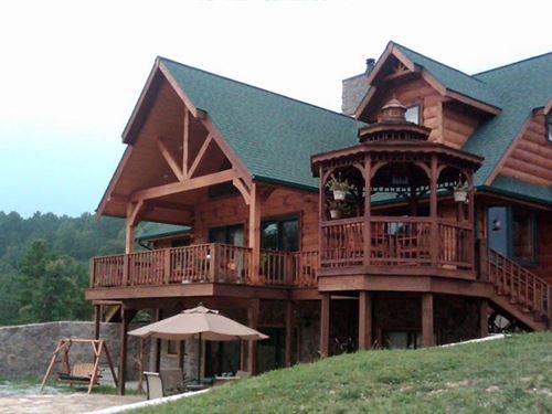 Lodge Living Like A King : Success : Texas County : Missouri