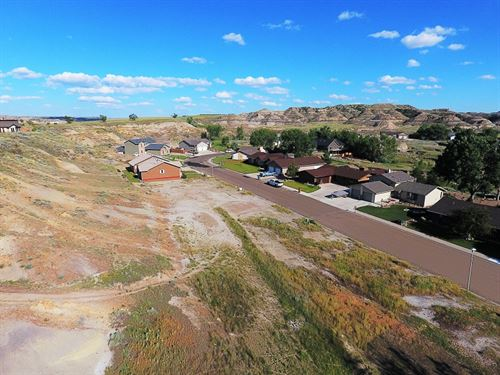 Large Vacant Residential Lot : Glendive : Dawson County : Montana
