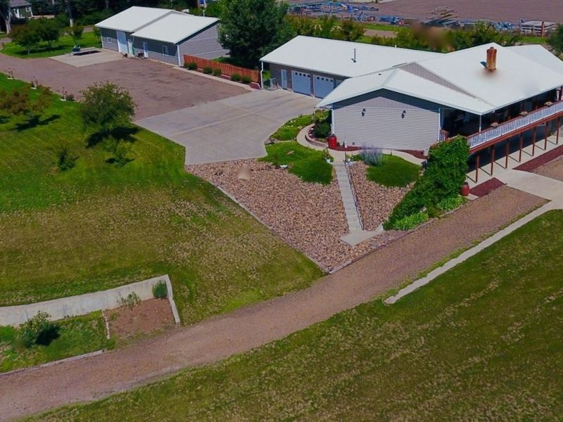 Custom Built Home, Views River : Glendive : Dawson County : Montana