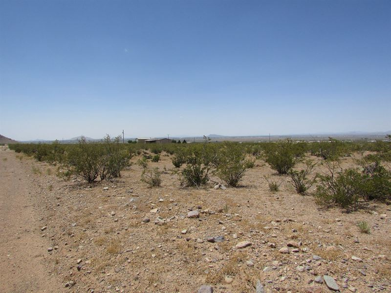 1 Acre South East of Deming, NM : Deming : Luna County : New Mexico