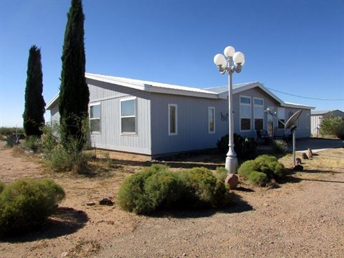Country Living Within Minutes : Deming : Luna County : New Mexico