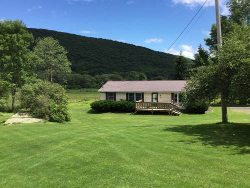 Gorgeous Mountain View Home 2.75 : Deposit : Broome County : New York