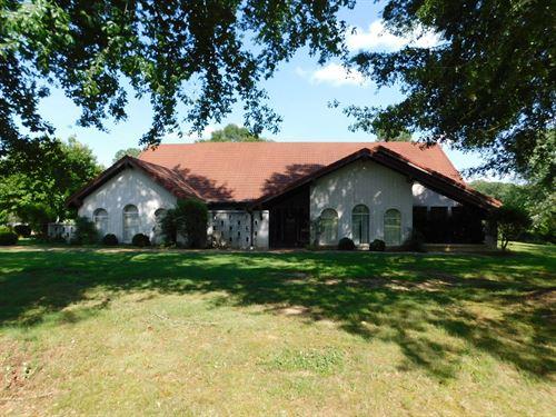 Tn Farm Spanish Style Home, Barn : Adamsville : Hardin County : Tennessee