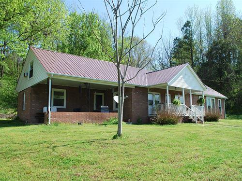6+ Acre Mini Farm, 2800 SQ FT Home : Centerville : Hickman County : Tennessee