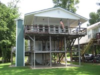 Tennessee River Front Home, Steps : Morris Chapel : Hardin County : Tennessee