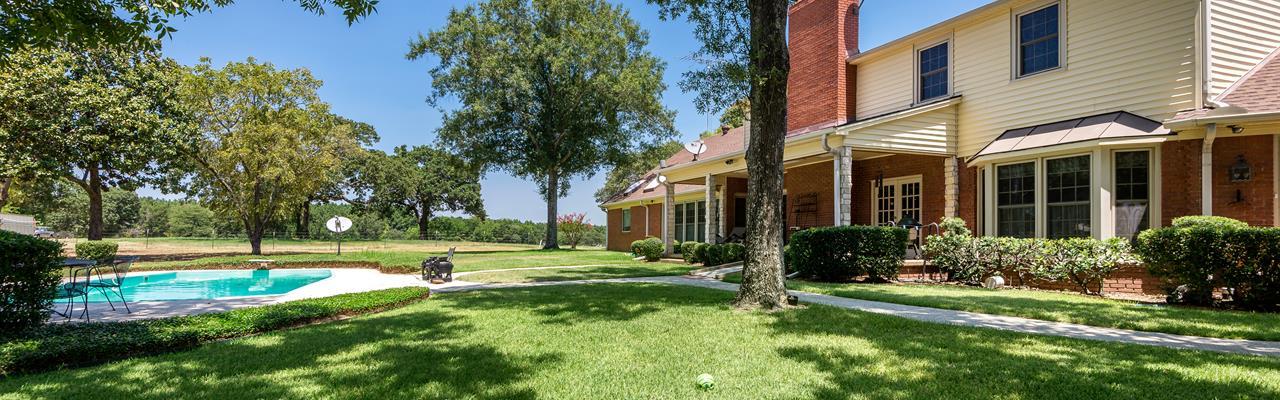 East Texas Cattle Horse Ranch Hay : Ben Wheeler : Van Zandt County : Texas