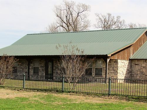 Country Home Ranch Property Blossom : Blossom : Lamar County : Texas