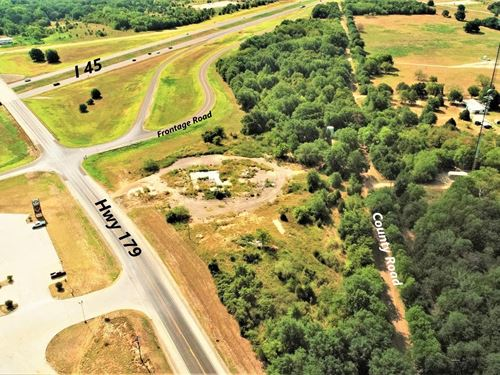 Commercial Retail Property : Dew : Freestone County : Texas