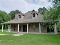 Custom Home With Pool In East Texas : Frankston : Henderson County : Texas