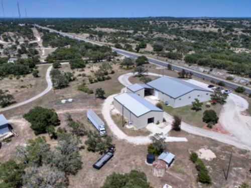Texas Hill Country Winery : Kerrville : Kerr County : Texas
