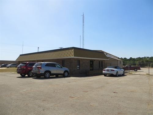 Office Buildiing Warehouse : Palestine : Anderson County : Texas