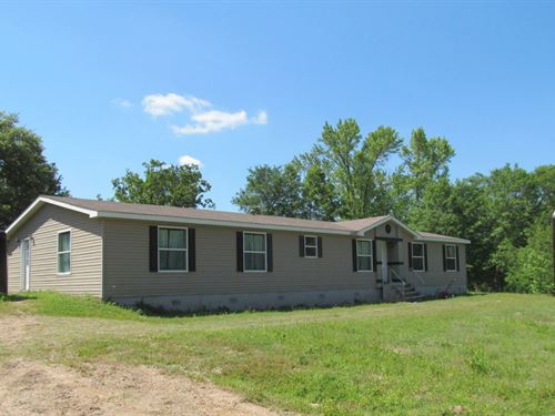 Country Home Almost 8 Acres East : Winnsboro : Wood County : Texas