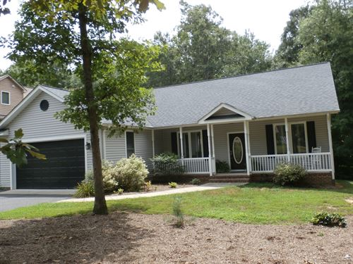 Gated Lake And Golf Community : Locust Grove : Spotsylvania County : Virginia