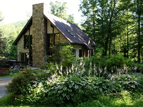 Story Book Cottage : McDowell : Highland County : Virginia