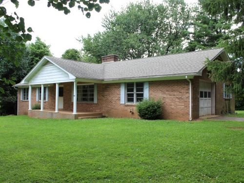 Ranch Style Home Located Patrick : Meadows Of Dan : Patrick County : Virginia