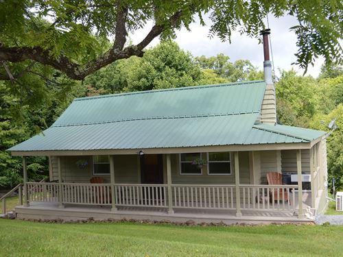 Quaint Cabin Grayson County VA : Mouth Of Wilson : Grayson County : Virginia