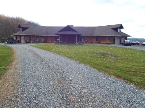 Large Custom Home Acreage North : North Tazewell : Tazewell County : Virginia