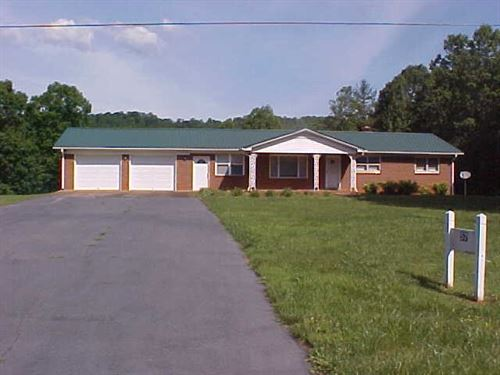 Ranch Style Home 5 Acres, Patrick : Stuart : Patrick County : Virginia
