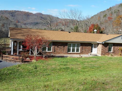 Spacious Country Home 4 Acres : Alderson : Summers County : West Virginia