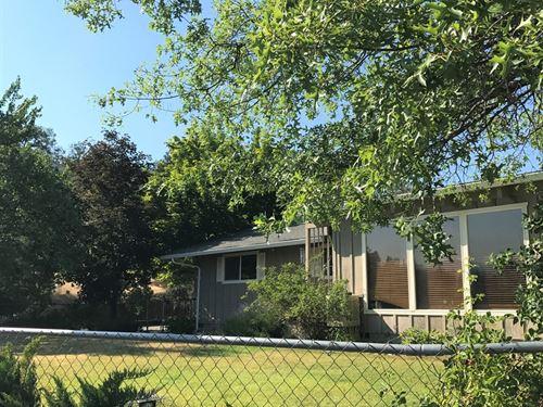 Treetop Home Northern, California : Fort Jones : Siskiyou County : California