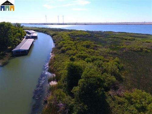Northern California Private Island : Rio Vista : Sacramento County : California