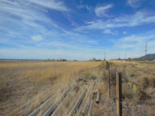74 Acres, 2 Bdr/2 Bth, Ranch Style : Davis Creek : Modoc County : California