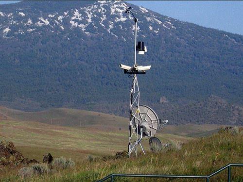 185 Acre Mountaintop Ranch : Montague : Siskiyou County : California