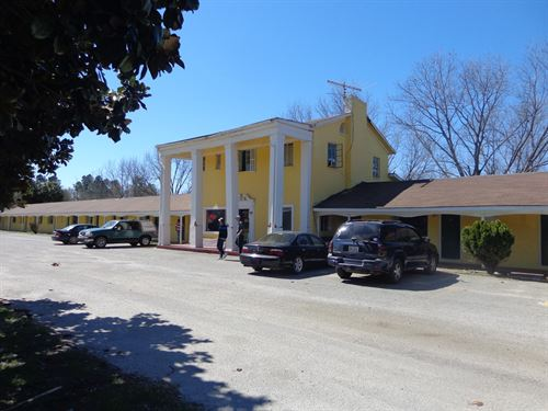 Motel Busy Statesboro Highway 14.25 : Sylvania : Screven County : Georgia