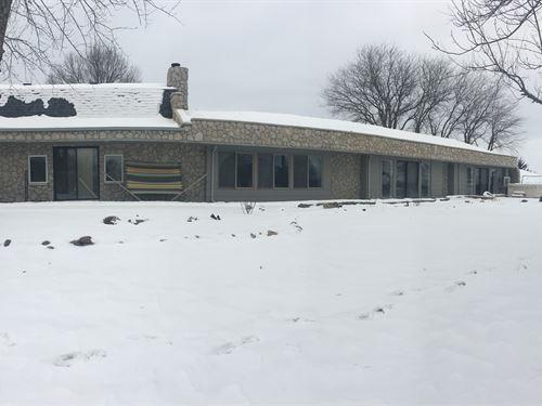 Newly Remodeled Country Home : Woodburn : Clarke County : Iowa