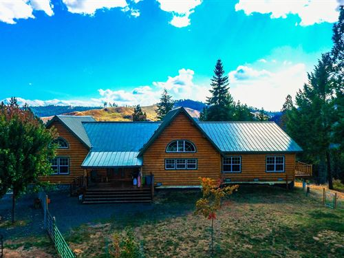 Log Home 40 Acres Surrounded : Weippe : Clearwater County : Idaho