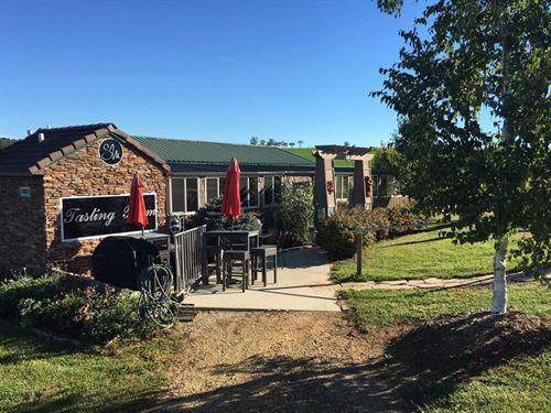 Winery/Vineyard Northwest, IL : Lanark : Carroll County : Illinois