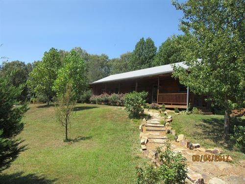 Ridge Home Overlooking Countryside : Golconda : Pope County : Illinois