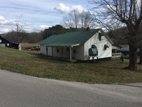 Kentucky Farm Home, Barn, 2 Creeks : Liberty : Casey County : Kentucky